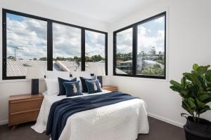 bedroom two windows